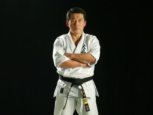 Такаси Адзума